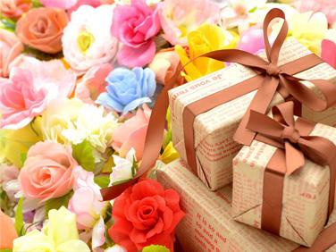 Подарки и цветы к дню рождения фото